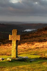 Crazywell Cross at Dawn